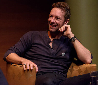 Chris Martin UNSIGNED photo - D489 - Lead vocalist and pianist with Coldplay