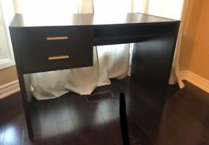 COFEE BROWN DESK WITH PULLOUT TRAY