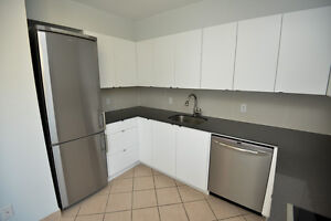 Queen and Niagara: 798/800 Richmond St West, 3 Bedroom