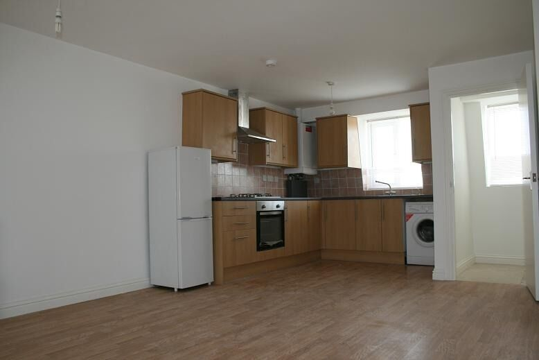 MARE STREET, E8 - 2 bedroom flat within minutes' walk from Hackney Central Station
