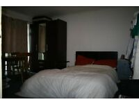 PAUL STREET E15 **INCLUSIVE OF GAS, ELECTRIC, WATER, COUNCIL TAX, INTERNET AT £650.00** DOUBLE ROOM