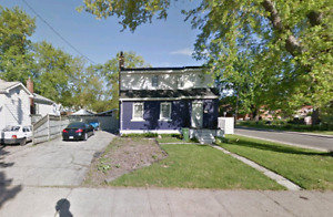 Single Room Available in Student House Near Mohawk College