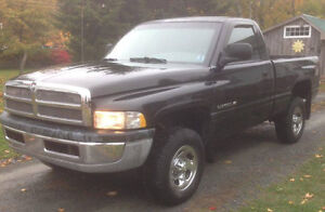 (NO EMAIL)2001 4X4 Dodge Power Ram 1500 Pickup Truck