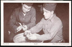 US-ARMY-TROOPS-Peeling-Potatoes-Spuds-Vtg-B-W-Military-Postcard-Old-Soldier-PC