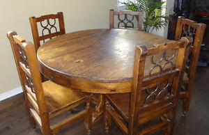 Gorgeous  Rustic Mexican Pine Dining Table and 5 Chairs