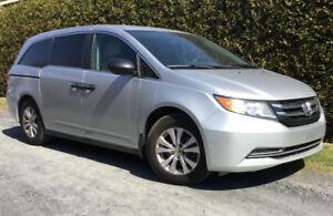 Honda Odyssey argent SE 2014