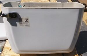 NEW 6.0 LPF MANCESA WHITE ELONGATED TOILET NEVER USED Belleville Belleville Area image 4