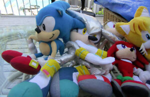7 CLASSIC SONIC PLUSH STUFFIES - FOR AGE 3+