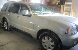2003 Lincoln Aviator Luxury Sport Utility 4D SUV, Crossover