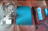 *****BLUE NINTENDO WII SYSTEM + WII SPORTS GAME*****