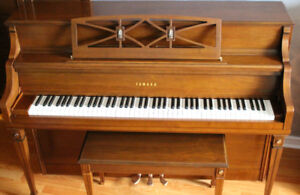 Yamaha Console Upright Piano Excellent Condition.
