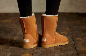 NEW WOMENS UGG BOOT SIZE 10