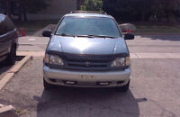 2000 Toyota Sienna LE rust free new engine