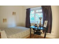 GORGEOUS room in the HEART OF THE CITY! DISCOUNTS! HALF DEPOSIT!