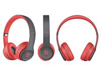 BRAND NEW SEALED BEAT SOLO2 WIRELESS ACTIVE HEADPHONES IN SIREN RED WITH APPLE STORE RECEIPT!