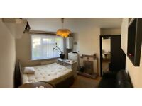 ROOMS WITH NO DEPOSIT! PAY RENT ONLY ***