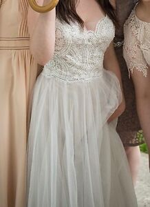 Wedding Dress $950 OR BEST OFFER
