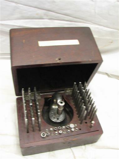 Antique Jeweler