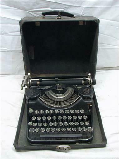 Antique Underwood Elliot Fischer Portable Typewriter w/Case Steampunk Types