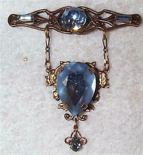 VINTAGE LIGHT SAPPHIRE BLUE GLASS DANGLE PIN BROOCH