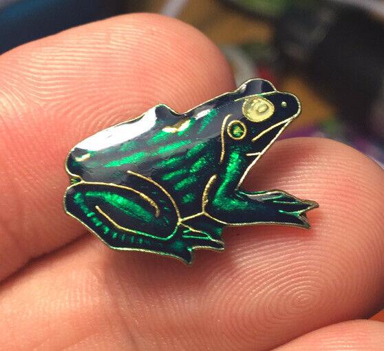 Green Frog enamel pin NOS vintage amphibian 80s hat lapel bag jacket new toad