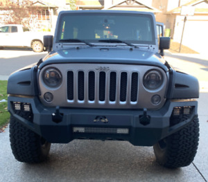 2016 Jeep Wrangler Sahara Unlimited-Daily Driver, Never Off-road