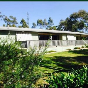 Rent a Large 2 bedroom home with tennis court Wentworth Falls Blue Mountains Preview