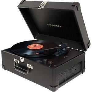 Selling black Crosley record player
