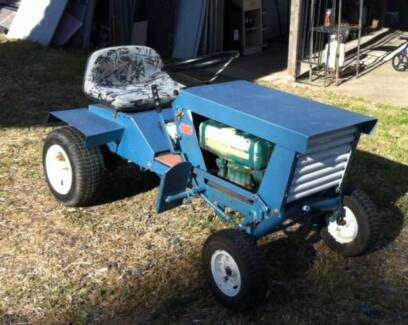 Rover Rancher 1 - 8HP briggs. Converted Ride on to Tractor