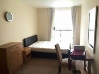 Beautiful two double & En-Suite rooms with view of THE SHARD near London Bridge