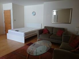 Double/En-Suite rooms for singles and Couples in Modern flats near London Bridge