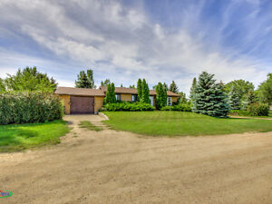 329 1st Avenue E, Mortlach