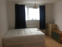 DOUBLE ROOM AVAILABLE IN NEWHAM - NICE FLAT AND LOCATION
