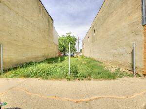 220 Centre Street, Assiniboia Moose Jaw Regina Area image 2