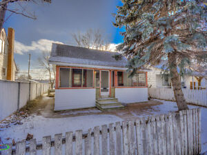 747 Ominica Street E, Moose Jaw