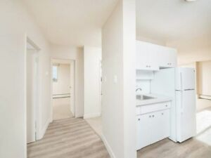 2 Bedroom - Capilano - Pet Friendly + ONE MONTH FREE