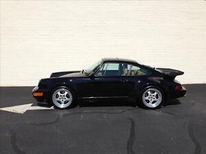Porsche-911-964-Turbo-Black-Beige