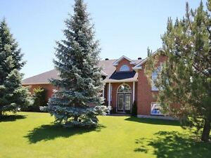 STUNNING 7 BDR- 4 BATH GREELY OTTAWA, POTENTIAL IN-LAW SUITE