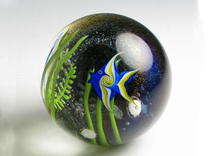 What to Look for in a Paperweight