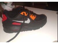 Black Nike air Max's size 6