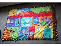 Play mat for baby / toddler