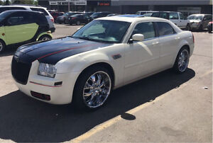 For sale chrysler 300 limited 2007 3.5 came 22 in new tires