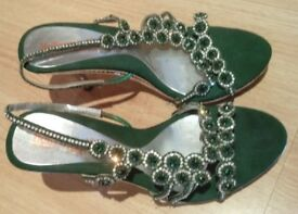 Pointed heels for women – Green & White stone studded