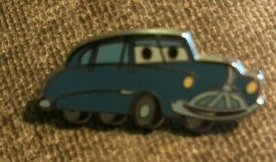 DISNEY TRADING PIN - DOC HUDSON FROM CARS