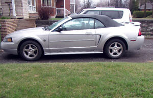 2004 Ford Mustang Cabriolet 40ème aniversaire ( Super Clean )