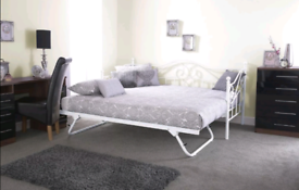 Day bed with trundle
