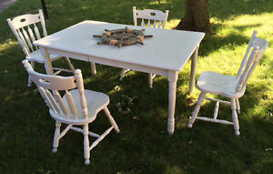 Dining Set with leaf and 4 chairs. Solid wood