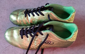 Youth Soccer Cleats Size 6