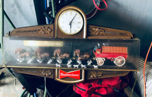 Budweiser  Collectible Clock Clydesdale with dogs