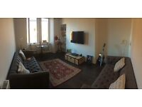 Large double room for rent in beautiful Leith flat